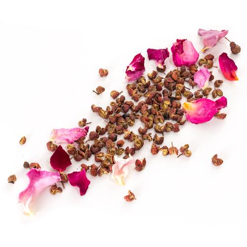 poive rouge Sichuan à la rose de Grasse grain