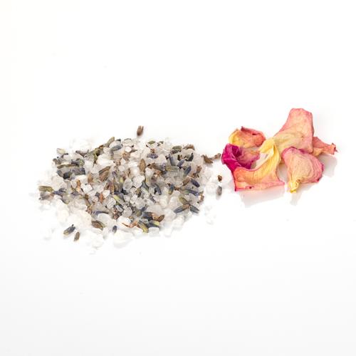 sel à la lavande et à la rose de grasse grains