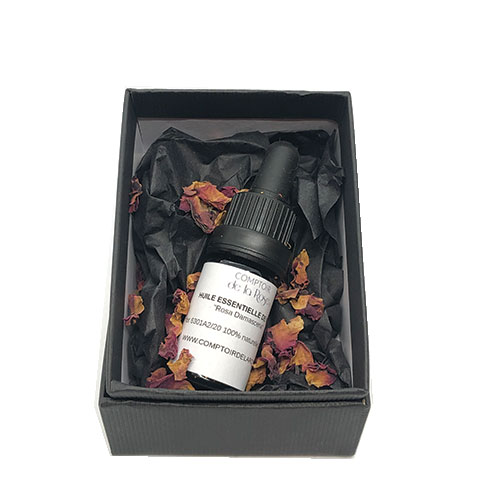 huile essentielle de rose de damas comptoir de la rose